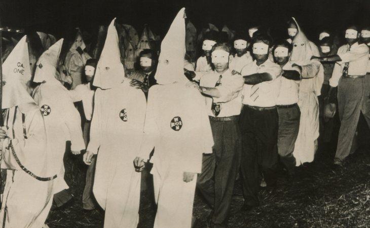 El Ku Klux Klan nació tras la Guerra de Secesión estadounidense para defender la supremacía blanca y condenar la presencia negra en Estados Unidos