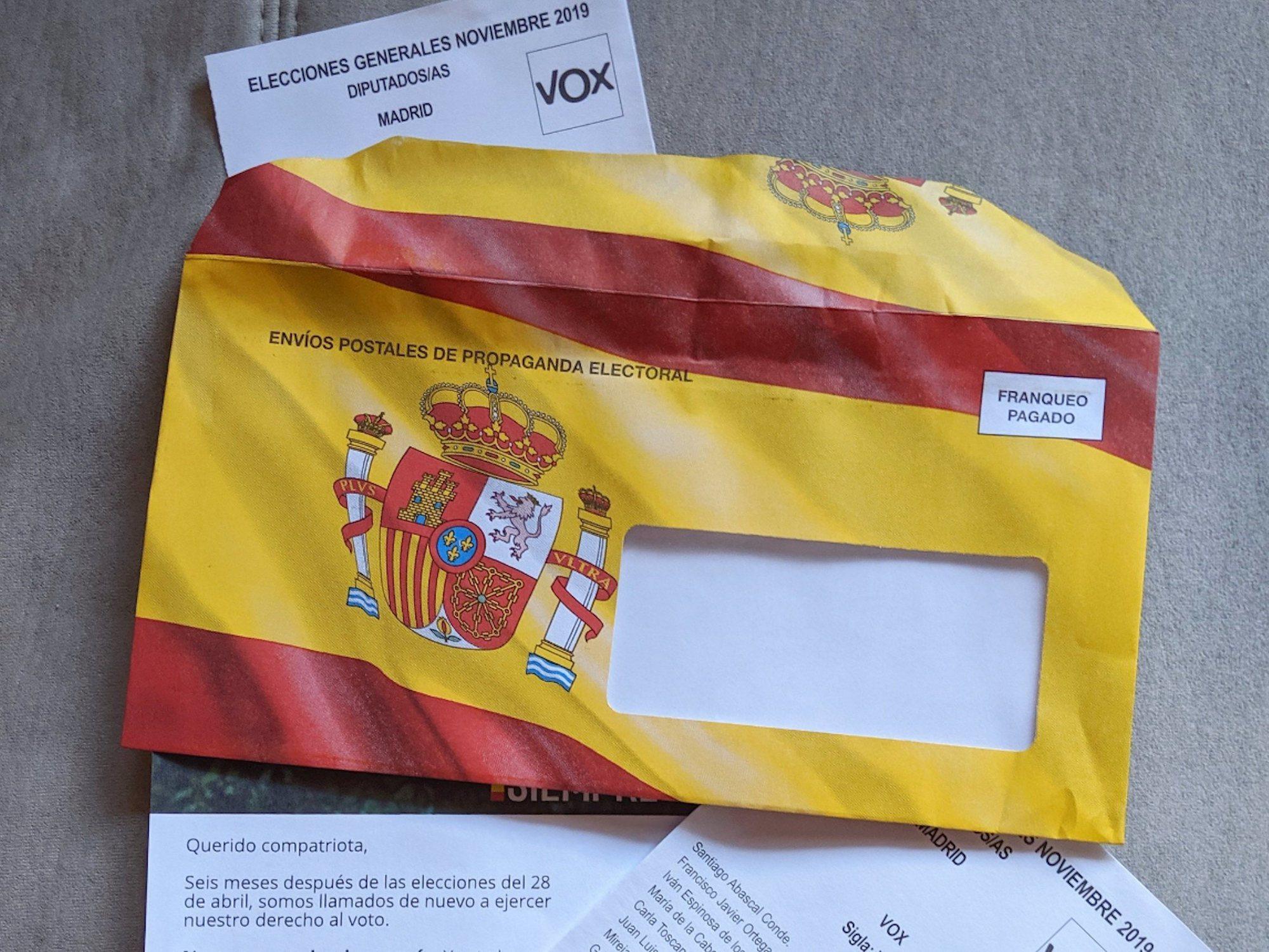 VOX introduce cartas en buzones que se dieron de baja en el censo de propaganda electoral