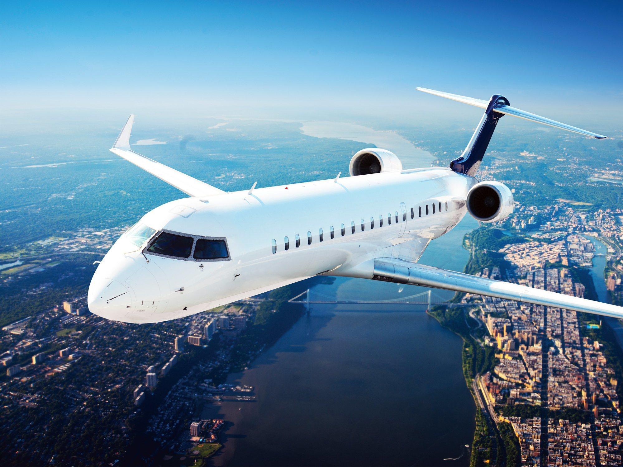 ¿Por qué los aviones siempre son blancos?