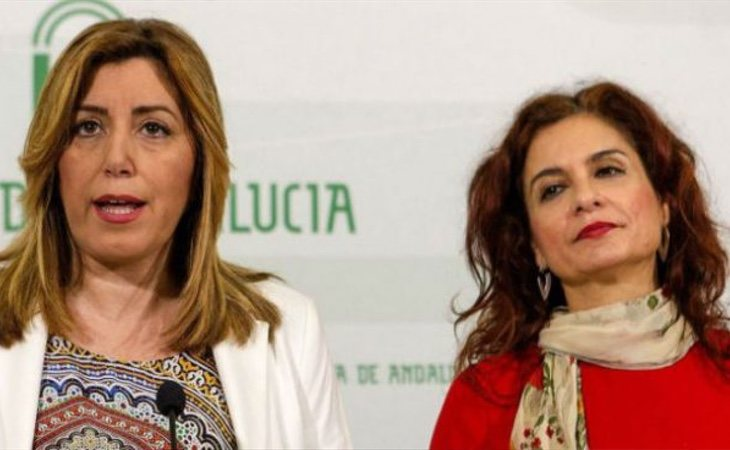 María Jesús Montero (dcha) suena como relevo de Susana Díaz