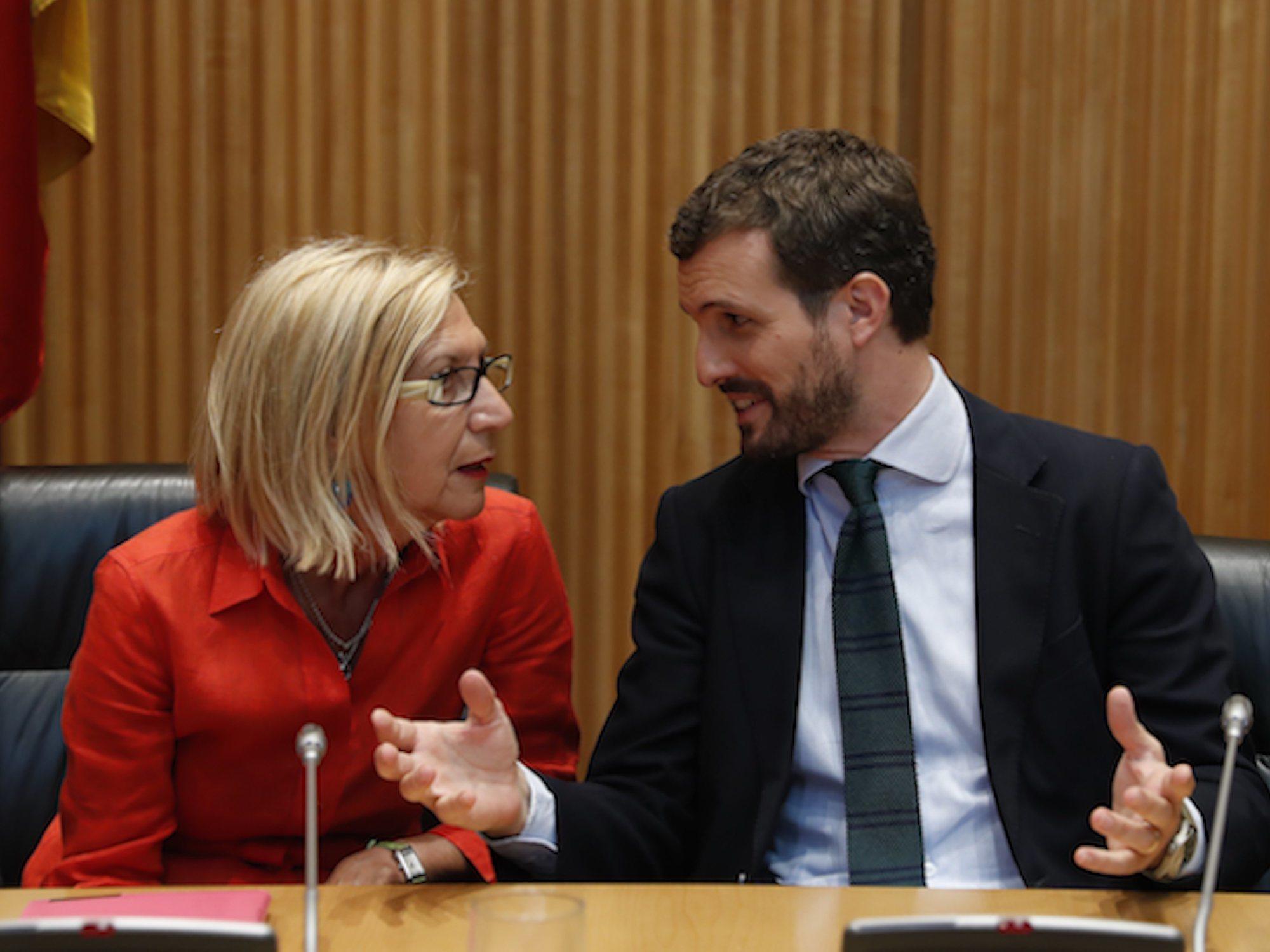 """Rosa Díez se une al PP y pide el voto para Casado: """"Quiero que tú ganes las elecciones"""""""