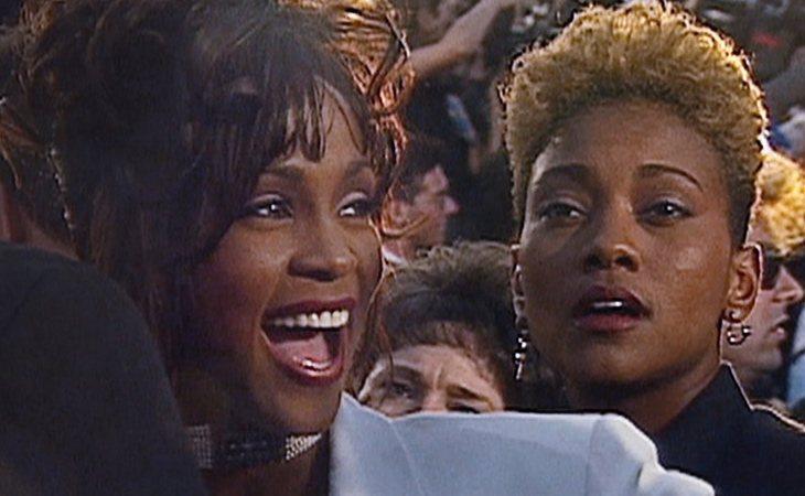Whitney Houston y Robyn Crawford pusieron fin a su noviazgo para no perjudicar la carrera de la primera