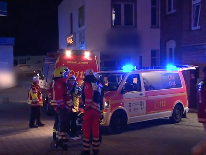 Evacuan a más de 300 personas mientras participaban en una orgía por un escape de gas