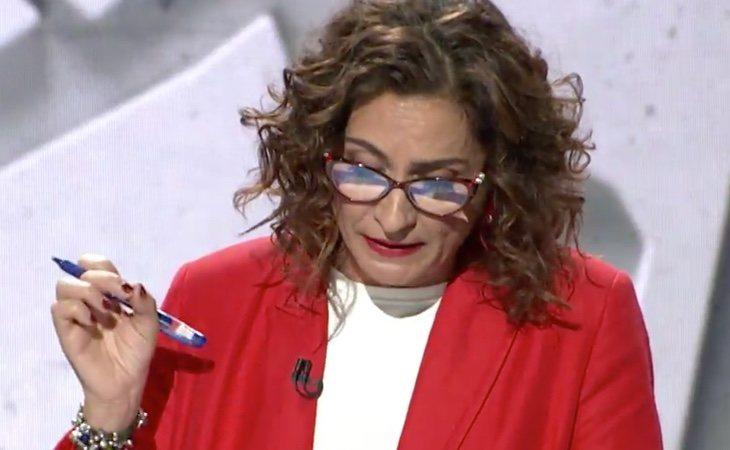 María Jesús Montero recuerda que el PP subió los impuestos hasta en 60 ocasiones