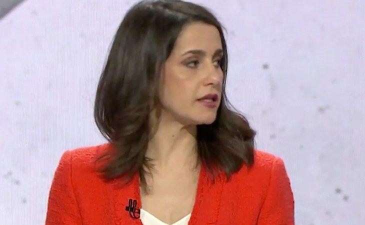 En el bloque de Sanidad y Educación, Inés Arrimadas habla de Cataluña y Torra