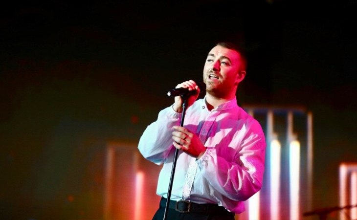 Sam Smith sobre el escenario de Los 40 Music Awards 2019