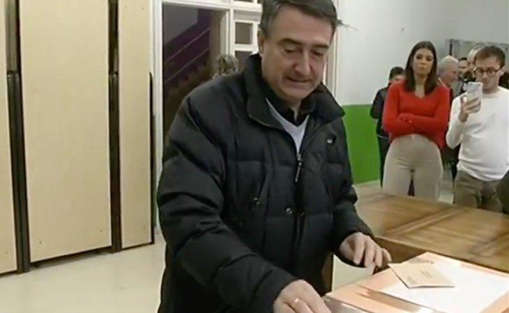 Aitor Esteban (PNV) ya ha votado y advierte: