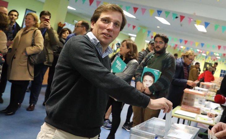 José Luís Martínez-Almeida, alcalde de Madrid, ya ha votado: