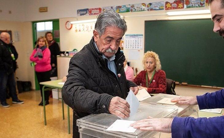 Miguel Ángel Revilla (PRC), presidente de Cantabria, reconoce que está