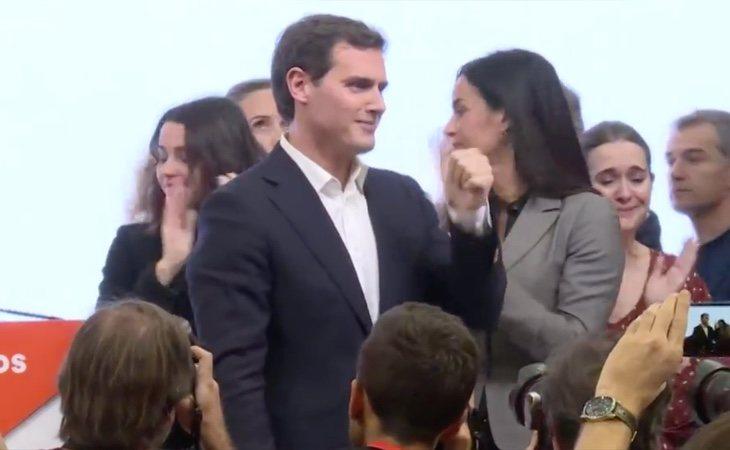 Rivera ha comparecido en la sede de Ciudadanos para anunciar tres decisiones: su renuncia al liderazgo del partido, el abandono de la política y su ...