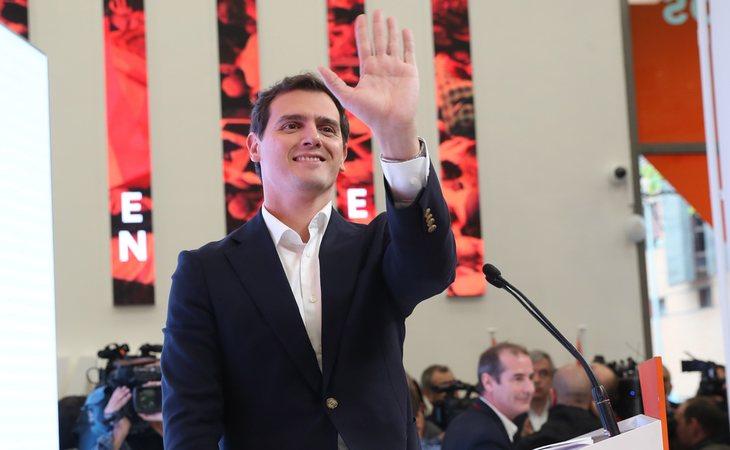 Albert Rivera ha renunciado a la presidencia de Ciudadanos en una comparecencia ante los medios de comunicación sin preguntas