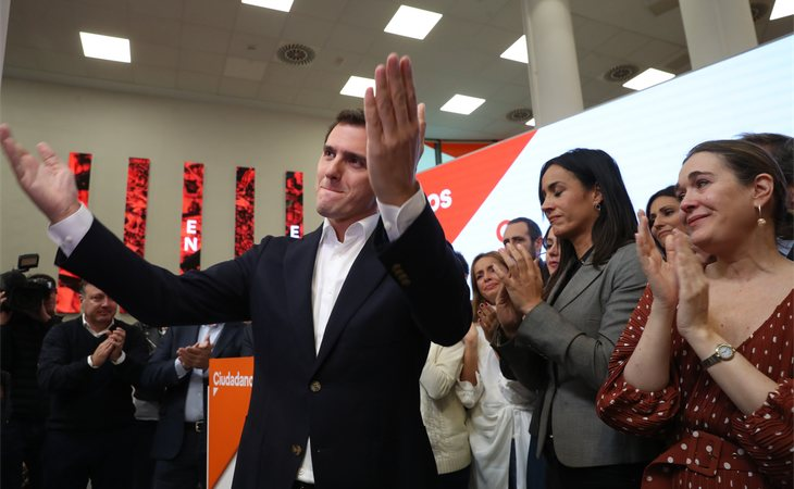 Tras su batacazo electoral, Albert Rivera anunció el pasado lunes 11 de noviembre que deja la política activa, renuncia a su acta de diputado y abandona su cargo como presidente de Ciudadanos