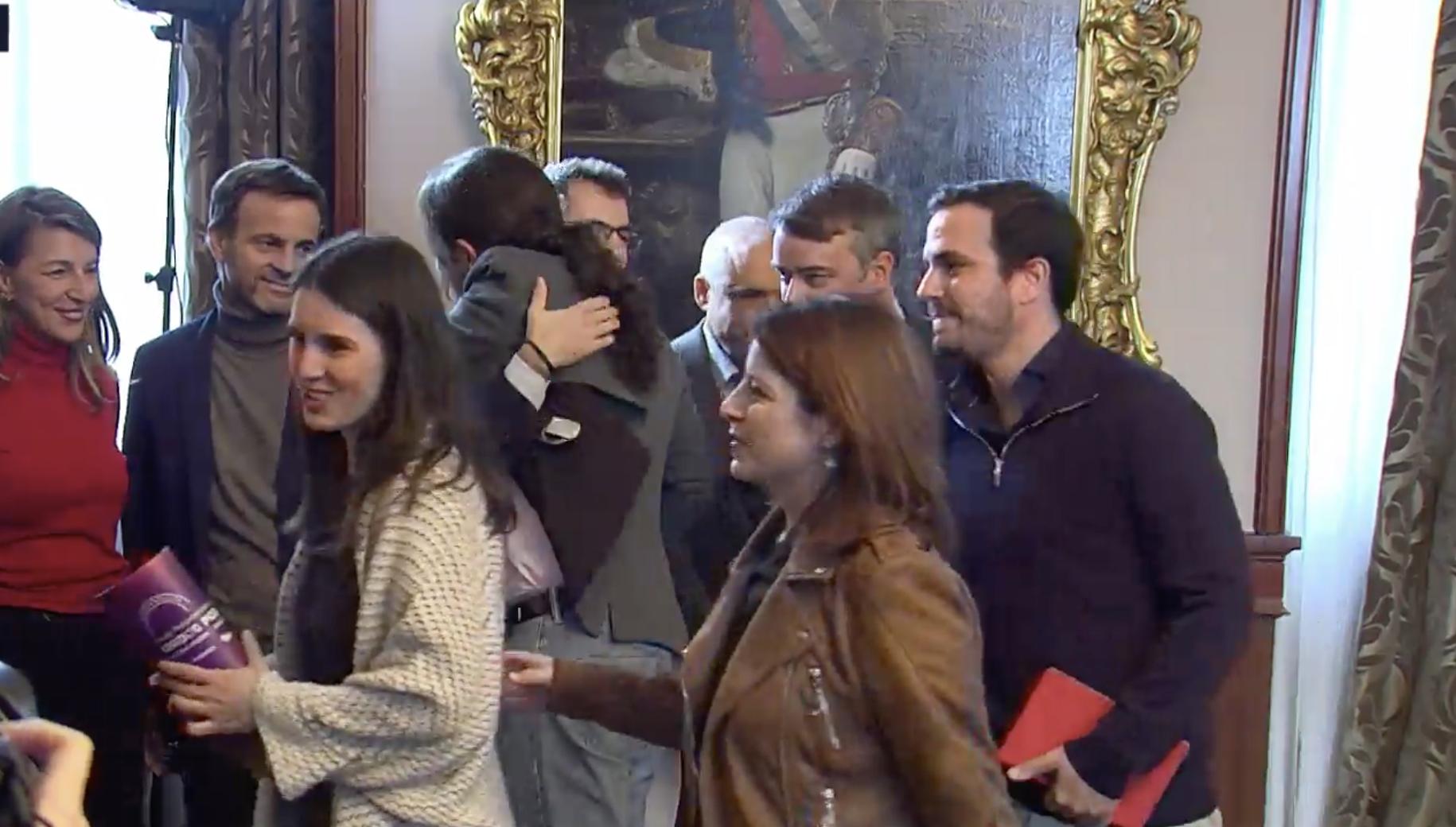 Los equipos de PSOE y Unidas Podemos celebran el acuerdo