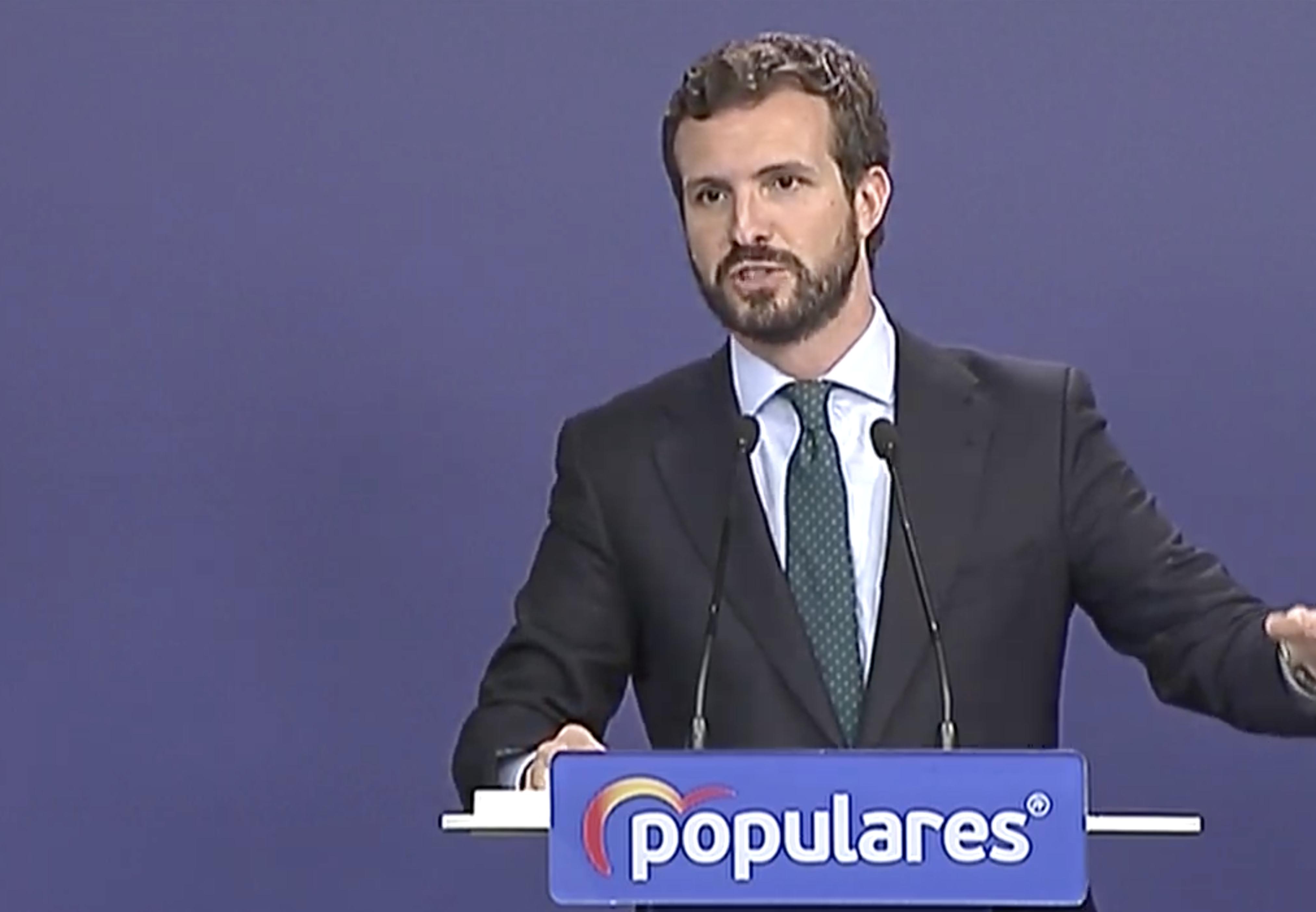Pablo Casado: 'PSOE y Podemos han pactado un gobierno progresista. Es decir: de izquierda radical'