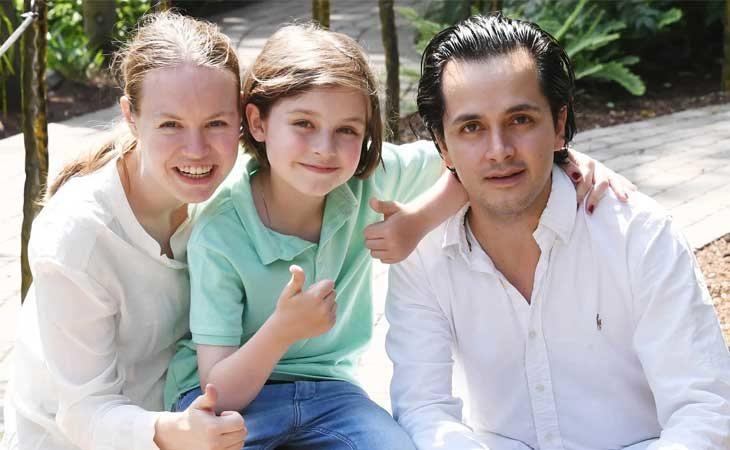 Laurent Simons con sus padres