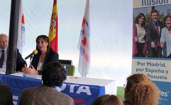 La alcaldesa de Pozuelo, Susana Pérez Quislant, mantiene que le han ofrecido una plaza en una residencia del municipio