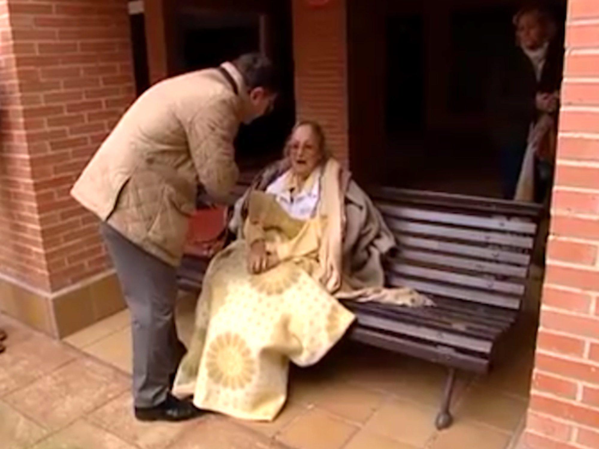 Desahuciada en Madrid a los 99 años, ingresa días después en el hospital por hipotermia