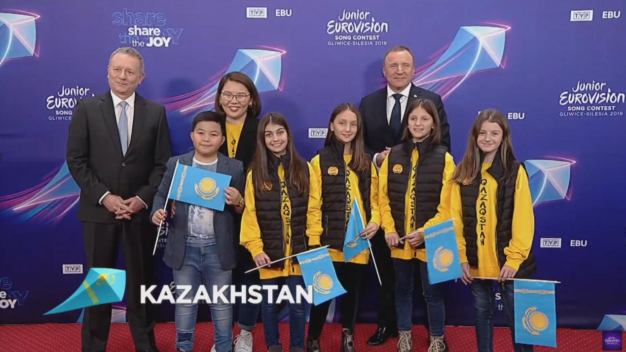 Kazajistán viene representada por la gran voz de Yerzhan Maksim, es la segunda vez que el país se presenta al evento de la UER como invitado ...