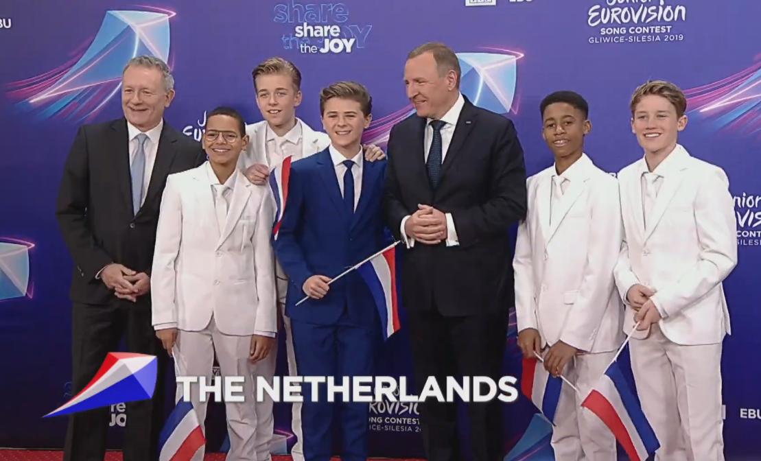 Matheu ganó el tradicional 'Junior Songfestival' y por tanto, el derecho de representar a Holanda en el festival con 'Dans Met Jou'.