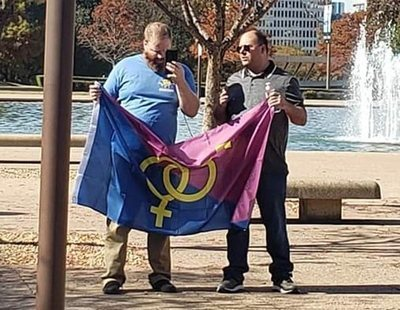 Manifestación del 'Orgullo Hetero' en Texas: solo asistieron dos personas