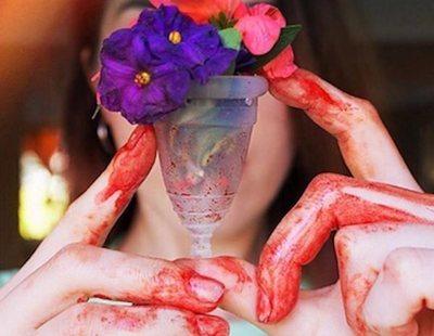 """Riega las plantas con su sangre menstrual porque """"es alimento"""""""