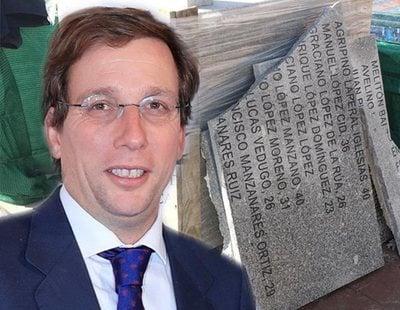 Almeida retira las placas de las víctimas del franquismo del cementerio de la Almudena
