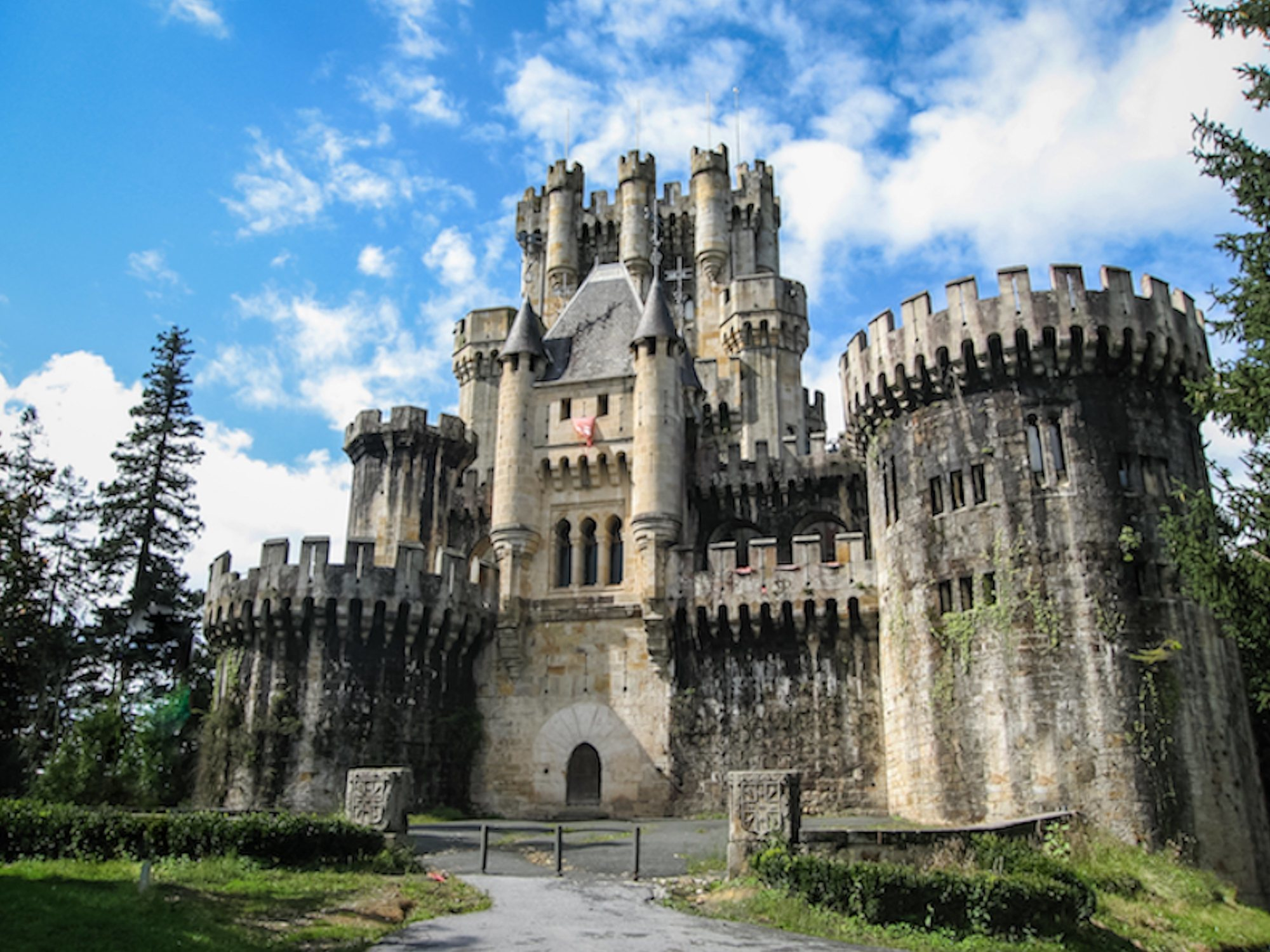 10 lugares de España en los que sentirás que has viajado a un cuento de hadas