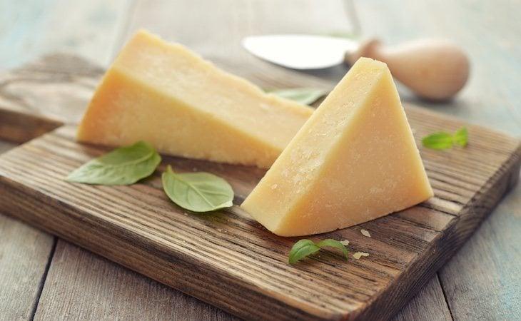 Podemos sustituir los quesitos por quesos de mayor calidad, aunque no son alimentos imprescindibles