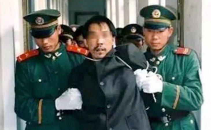 Fa Ziying siendo detenido por la Policía | Weibo