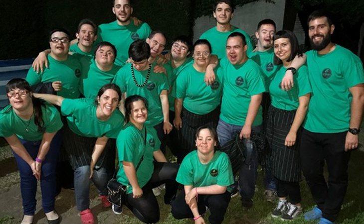 El equipo de 20 personas que actualmente conforma la plantilla de Los Perejiles Eventos