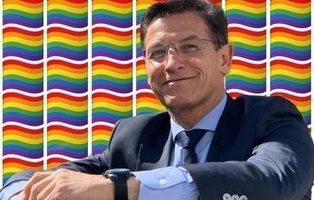 Llenan el Instagram del alcalde de Granada (Cs) de banderas LGTBI por eliminarlas de los semáforos