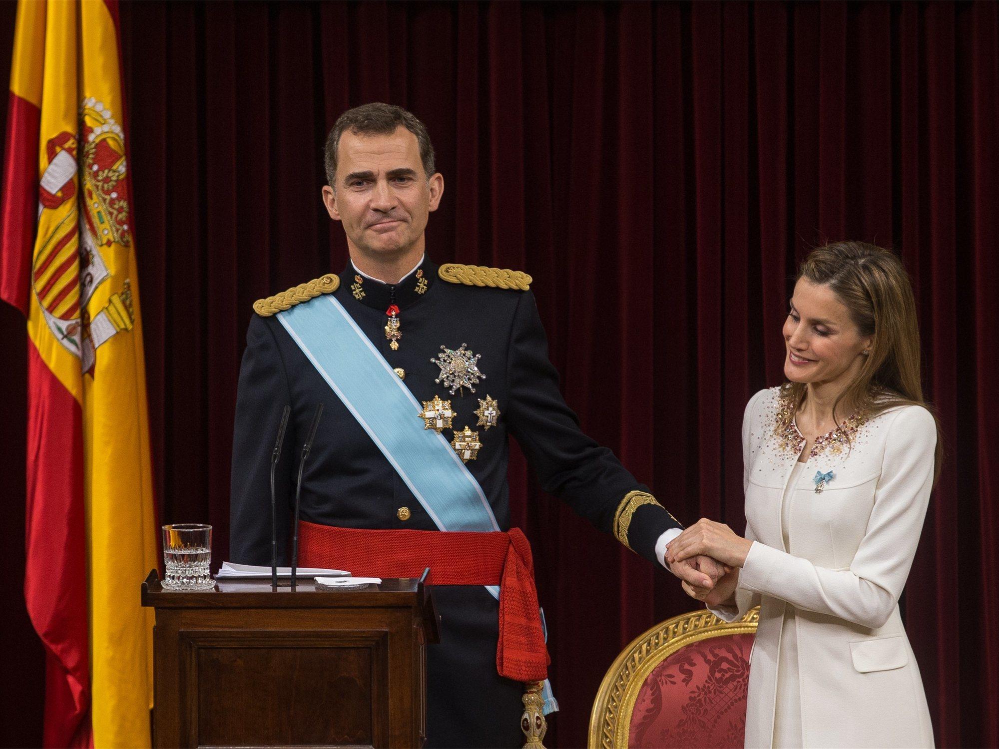 Preocupación en Casa Real con un dossier que recorre redacciones y podría acabar con Felipe VI