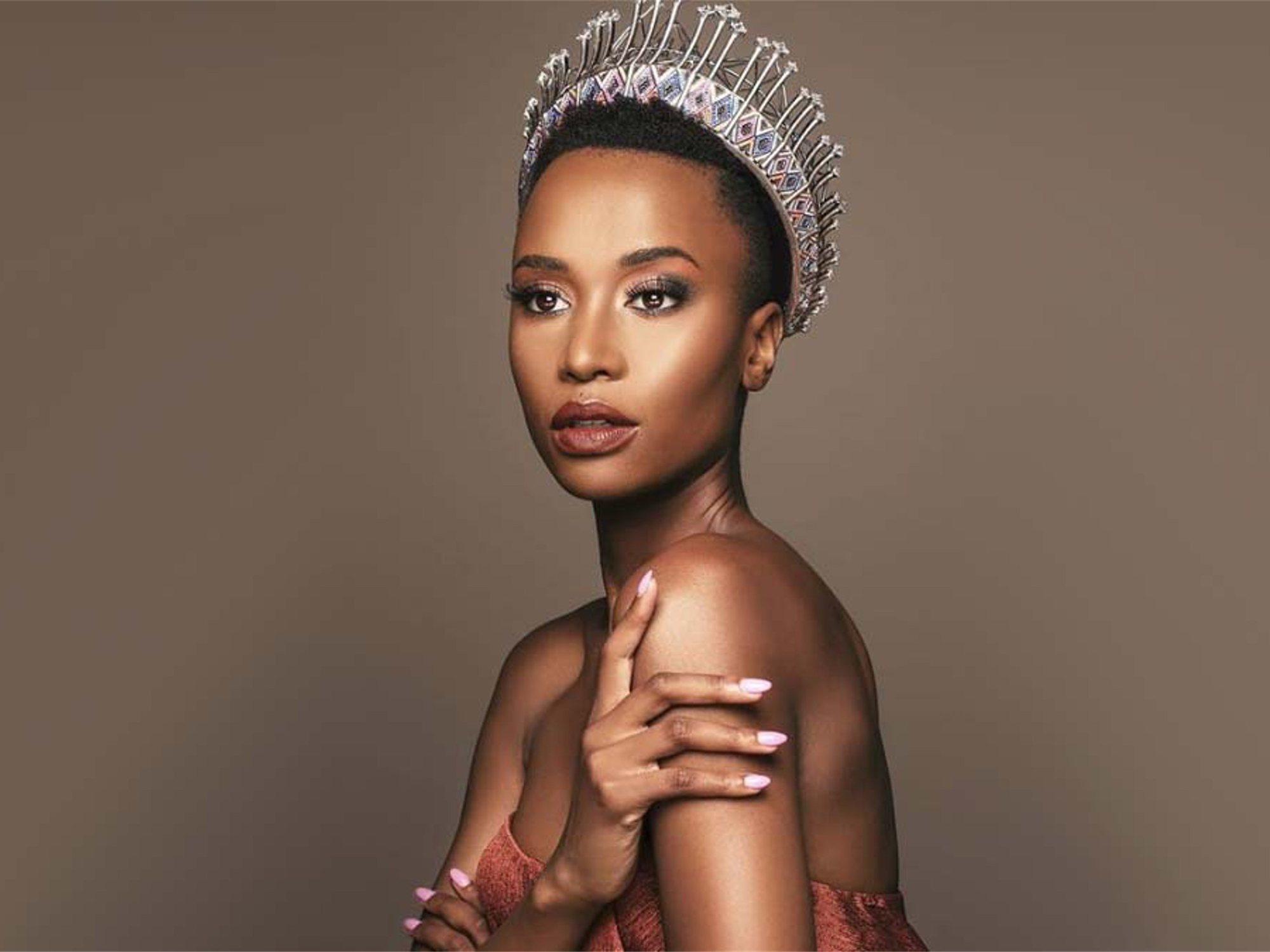 El mensaje feminista de la sudafricana Zozibini Tunzi al ser coronada Miss Universo 2019