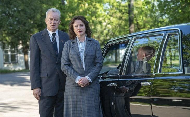 Stellan Skarsgård y Emily Watson en 'Chernobyl'