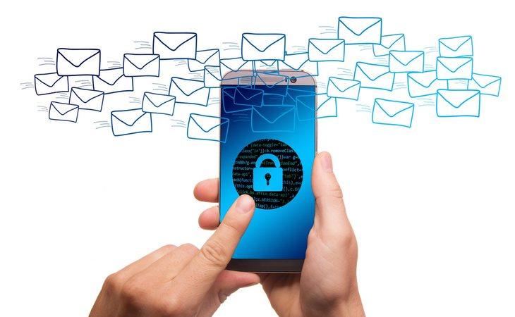WhatsApp quiere acabar con las cuentas que hagan un uso fraudulento y abusivo de su servicio de mensajería instantánea