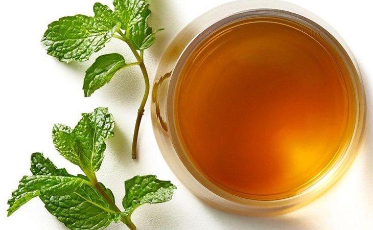El té de menta y eucaplito es relajante a la vez que ayuda a expectorar