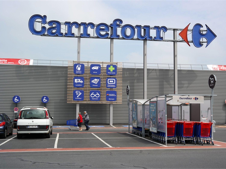 Carrefour instalará hoteles en los aparcamientos de sus centros comerciales