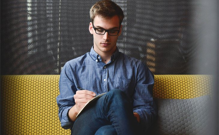 Elegir un atuendo formal para una entrevista de trabajo es primordial para dar buena imagen desde el principio