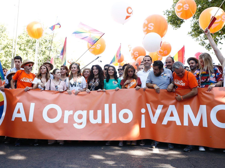 Las medidas que han descartado PP y C's para proteger al colectivo LGTBI en Castilla y León (con el apoyo de VOX)
