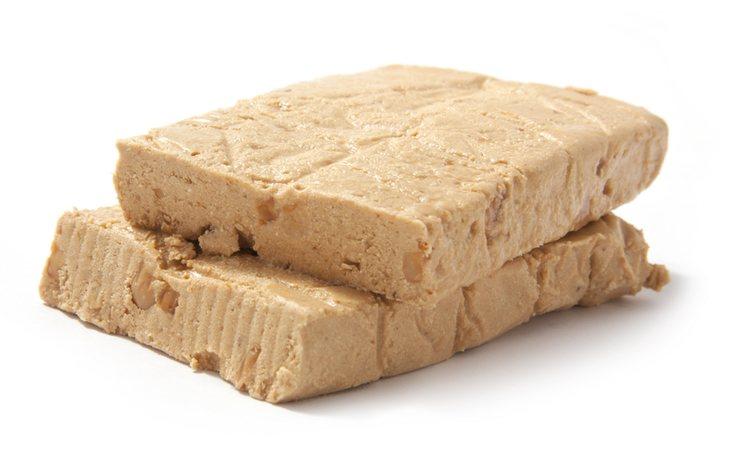 Tableta de turrón blando o de Jijona, producto típico de la gastronomía navideña española