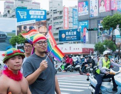 China deja la puerta abierta a aprobar el matrimonio igualitario