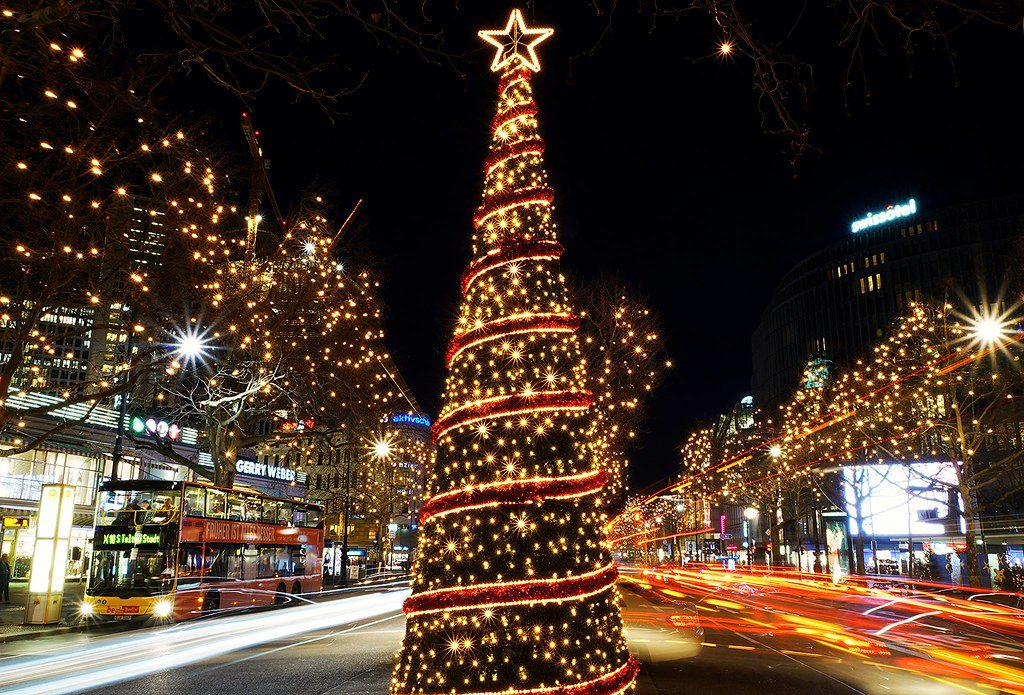 Luces de Navidad instaladas en Kurfürstendamm | Fuente: Flickr Berlín-Magazin.de
