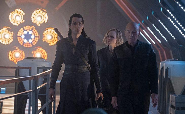 Patrick Stewart, Alison Pill y Evan Evagora en 'Star Trek Picard'