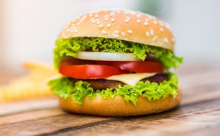 Sanidad ha lanzado una alerta alimentaria sobre un lote de hamburguesas distribuido en supermercados