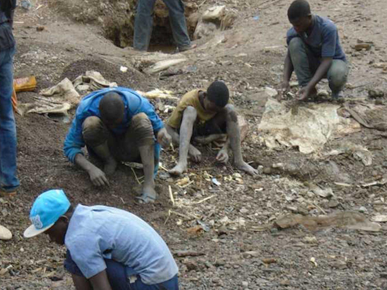 Minas de cobalto: la esclavitud infantil en el Congo con el amparo de multinacionales