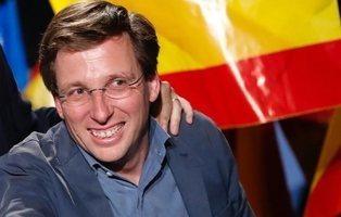 Almeida gasta en cinco meses 50.000 euros en banderas frente a los 3.000 que gastó Carmena