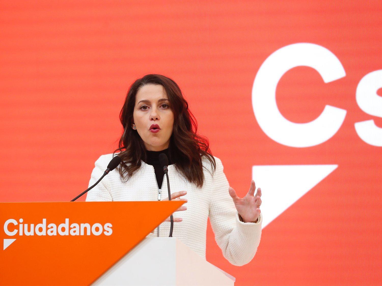Los barones y baronesas socialistas contestan a Inés Arrimadas y la dejan en evidencia