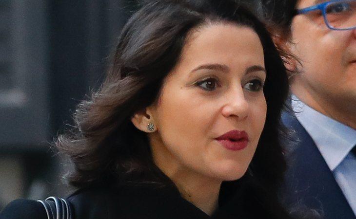 Inés Arrimadas (Cs) insiste: 'Pedimos que el PSOE que echó a Sánchez del PSOE por mucho menos que esto, se digne a levantar la voz'