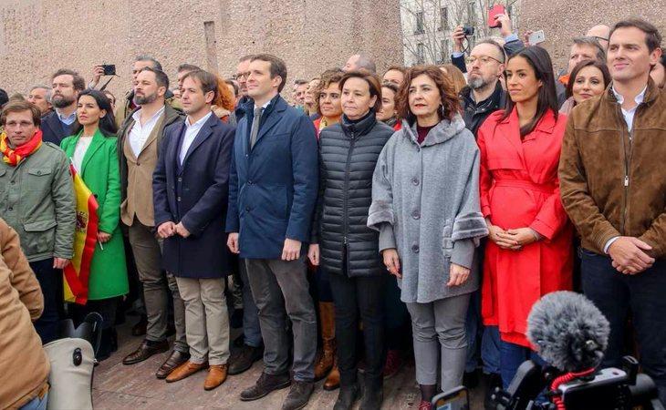 Pedro Sánchez recuerda la foto de Colón entre PP, VOX y Cs con Pablo Casado, Santiago Abascal y Albert Rivera y las consecuencias que tuvo ...