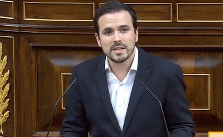 Alberto Garzón (IU), a la derecha: 'Deberán revisar sus criterios porque prácticamente un 60% de los votantes de este país pertenecen a la ...